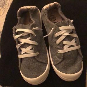 Girls shoe size 7